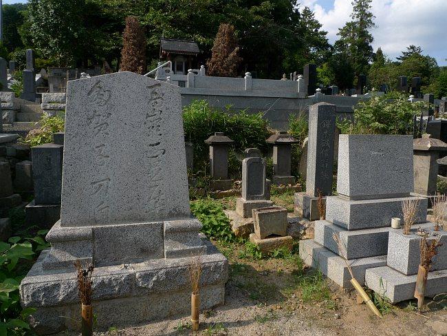 信夫山墓地に墓参り