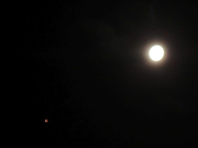 XZ-10による月と火星の写真